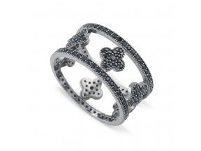 Clovers Ring with Black Spinels